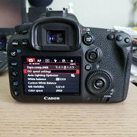 Canon-EOS-7D-Mark-II-w-EF-S-18-135mm22-2