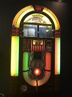 jukebox-bubbler-antique-apparatus-200-selections/