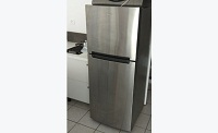 Whirlpool medium fridge